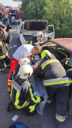 buszbalesetnél végzett mentési gyakorlat